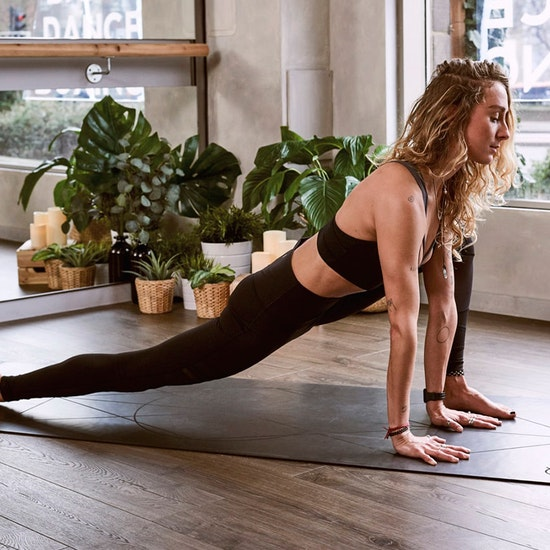 Clases de pilates online con Femke Donington