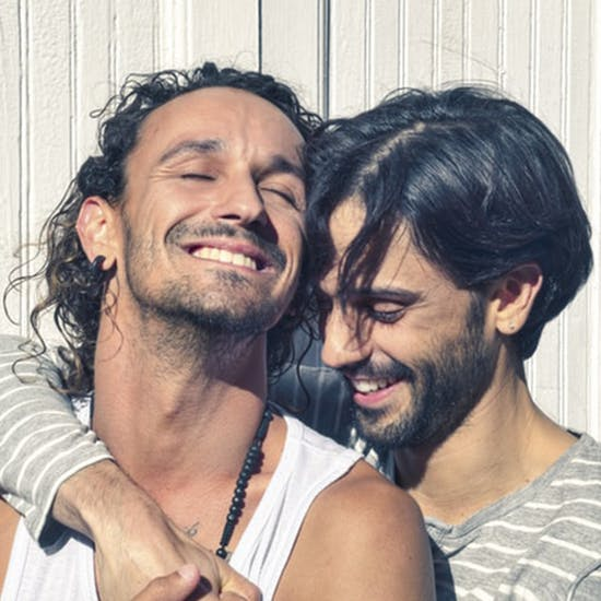Mingle with UK Gay Singles Free Free UK Gay Dating