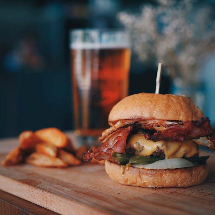 Apérooo Sonore : Burger, bière et DJ set en terrasse
