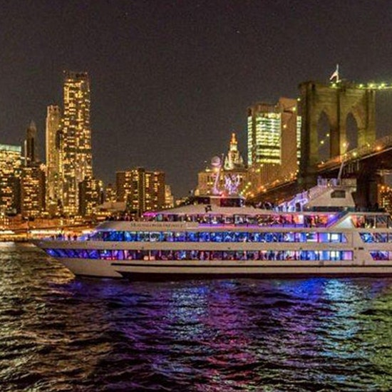 Dance & Dine Under The July 4th Fireworks! Open Bar Boat Party