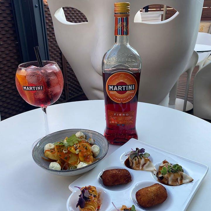 Picoteo con Martini Fiero en Hotel Espanya