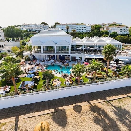 Florida Beach: cena y show musical tributo a Robbie Williams