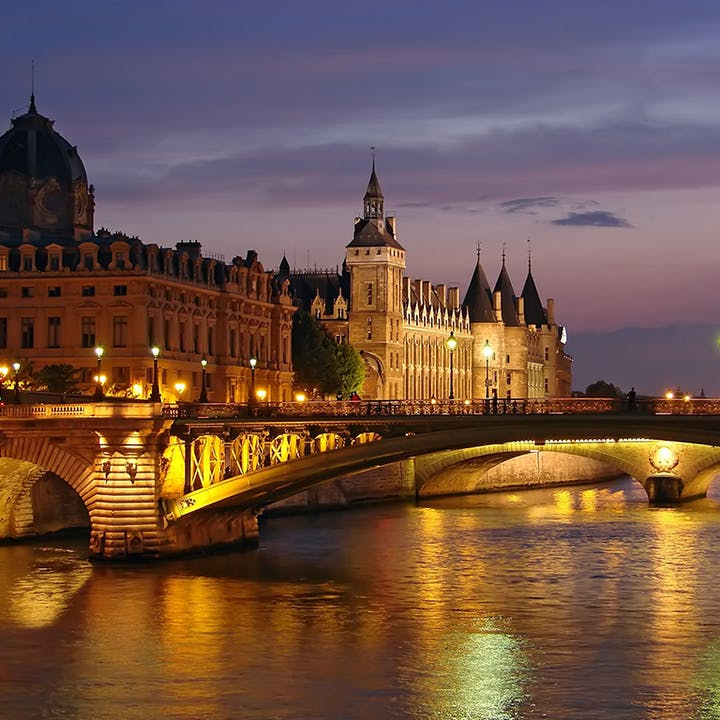 Péniche : Dîner-croisière à bord des Bateaux Parisiens