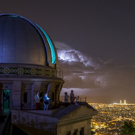 Cena y observación con telescopio en el Observatorio Fabra