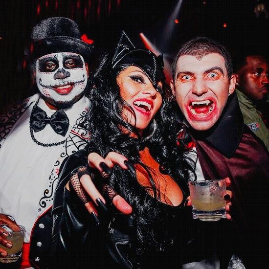 Halloween Night Murder Mystery Party: Murder at Skull Manor