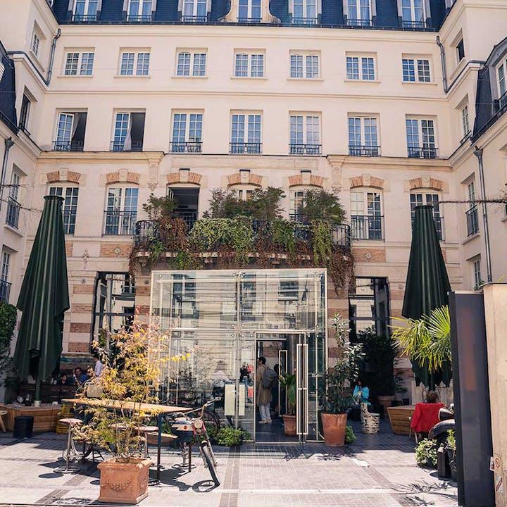 Kube Hôtel 4* : Nuit avec petit-déjeuner, dîner, vin et massage
