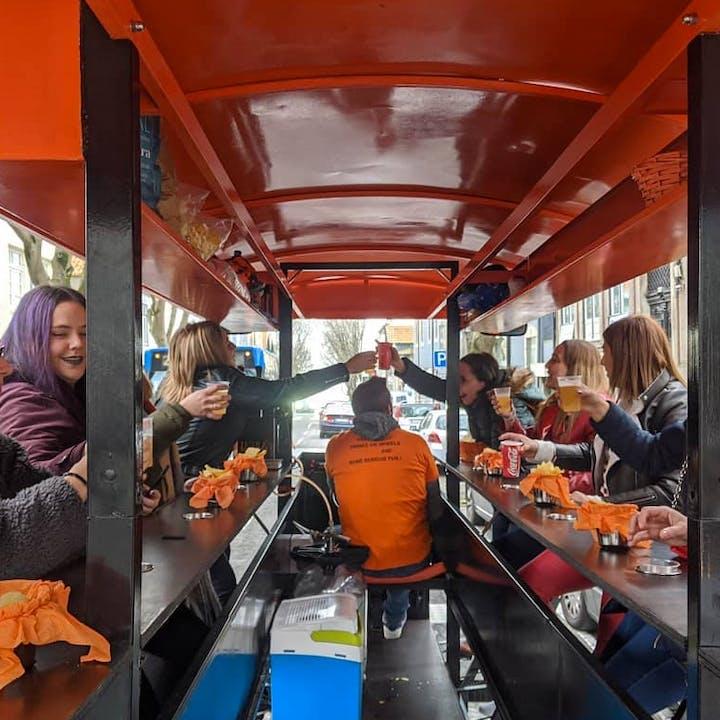 Party Bike: explora a cidade a pedalar com bebidas ilimitadas