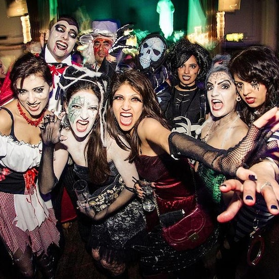 Halloween Singles Party with 1hr Open Bar!