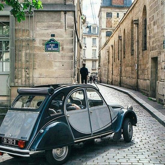 Balade Insoupçonnée en 2CV Citroën : redécouvre Paris
