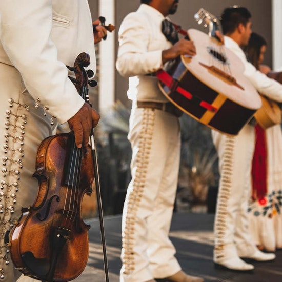¡Viva México! en el MEEU: cerveza, margaritas y espectáculo