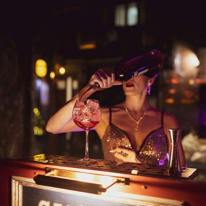 Live Jukebox Campari + 1 copa de Campari & Tonic en Carboneria