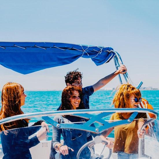 ¡Alquiler de una barca para hasta 5 personas!