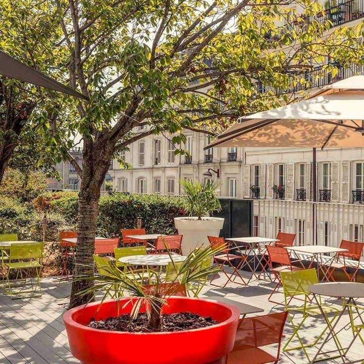 Pétanque & apéro en terrasse à Montmartre