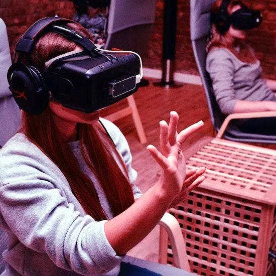 Partida de realidad virtual, ¡1 hora en grupo!