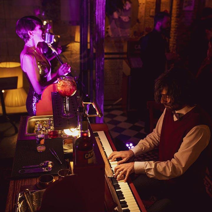 Live Jukebox Campari en Bar Comoleto