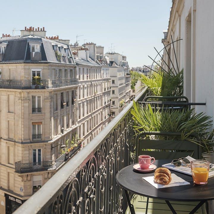 Hôtel Seven 4* : Nuit à 2 en chambre cosy, massage et Champagne