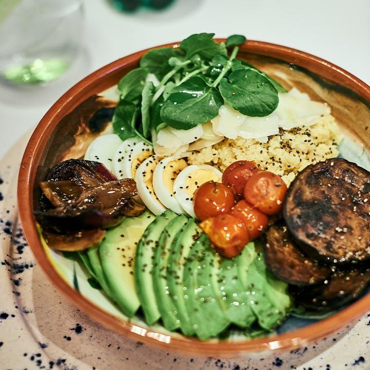 ¡Hamburguesa, bowl o escalope en Dudy Café!