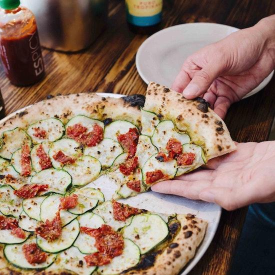 Chueca: pizzas fusión para 2 en Hot Now