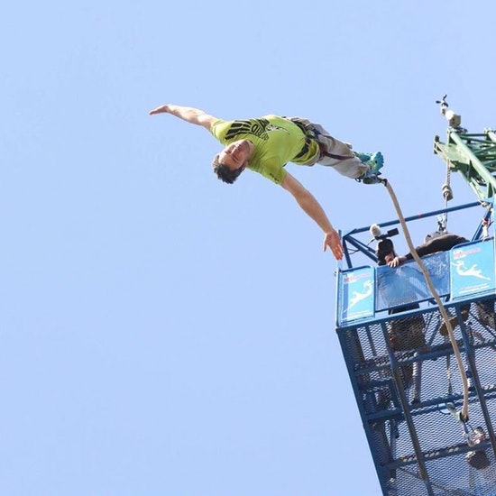 160ft O2 Bungee Jump Experience London!