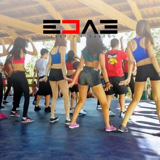 ¡Asiste a los campamentos de verano EDAE by Sergio Alcover!