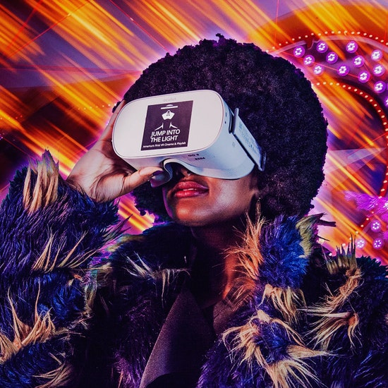 Play With Virtual Reality at Jump Into The Light VR Experiences