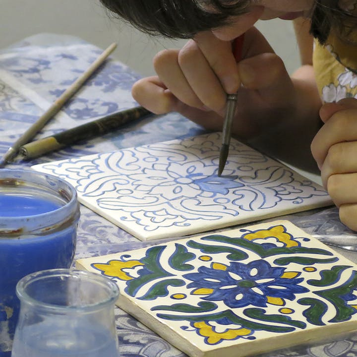 Workshop de azulejos: pinta-os e leva-os contigo para casa
