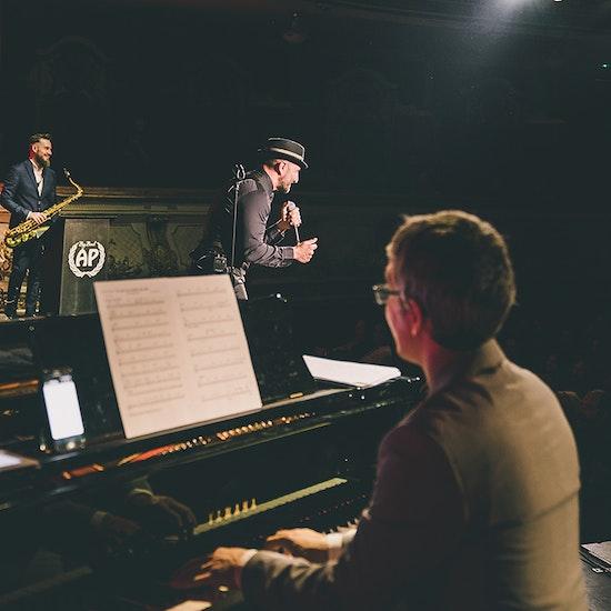 Noche de jazz con Javier Botella, el crooner español