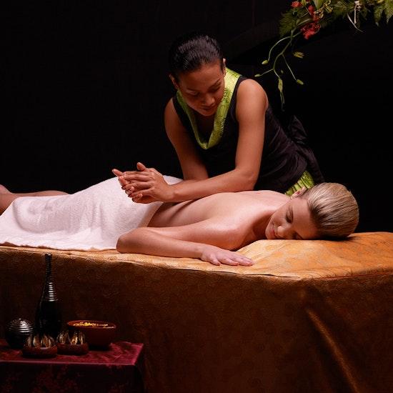 Only YOU Boutique Hotel: noche en habitación doble y masaje