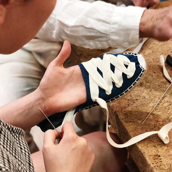 Taller online: personaliza tus espardeñas en vivo con un artesano
