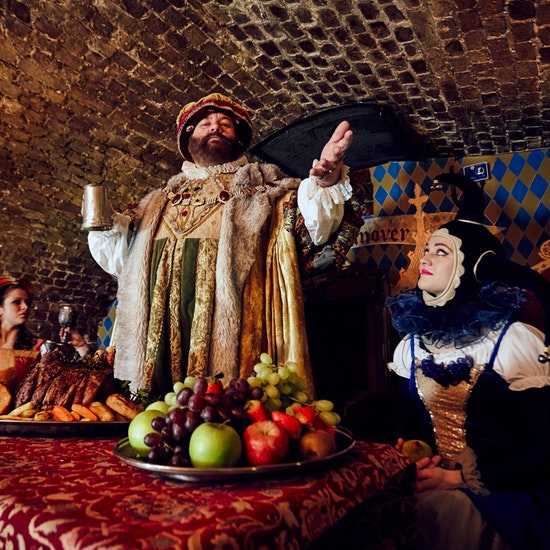 London's Medieval Banquet: 4 Courses with Bottomless Wine/Ale