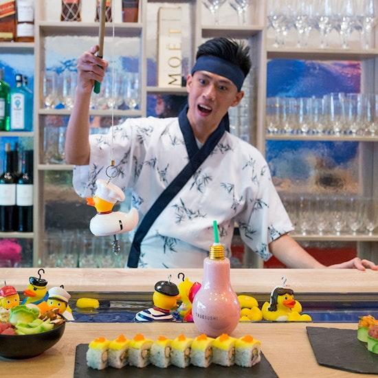 True Sushi: menú japonés mientras pescas un patito