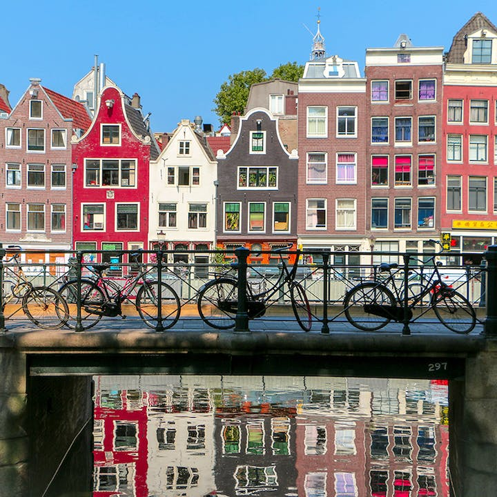 Amsterdam Old Town City Exploration Game