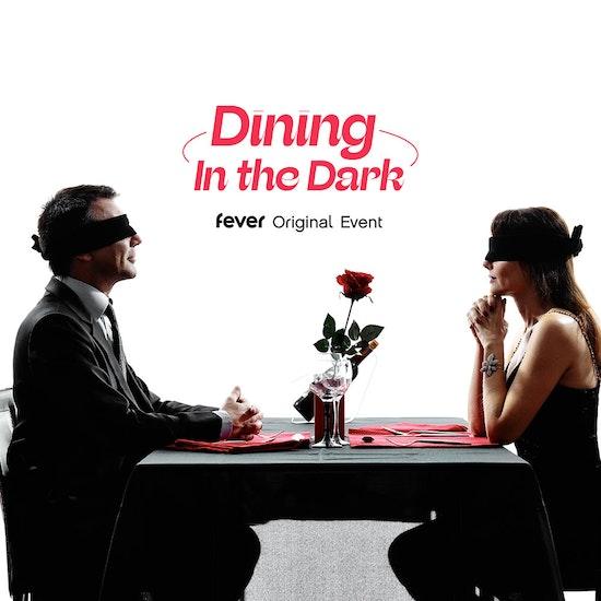 Dining in the Dark: jantar às escuras no Terraço Editorial